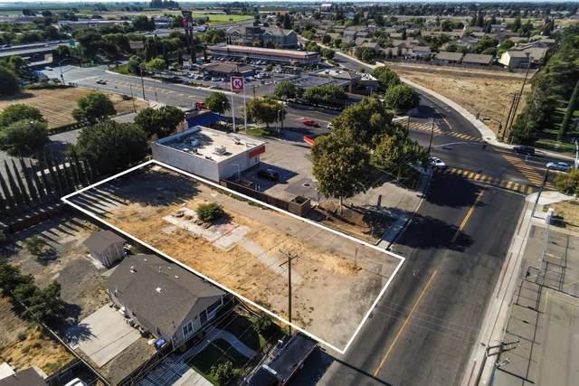 117 S Tully Road, Turlock, CA 95380 (MLS #221012674) :: The MacDonald Group at PMZ Real Estate
