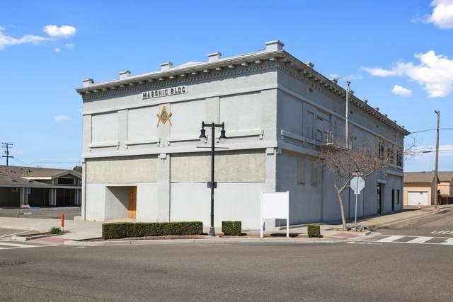 6701 2nd Street, Riverbank, CA 95367 (MLS #221019895) :: eXp Realty of California Inc