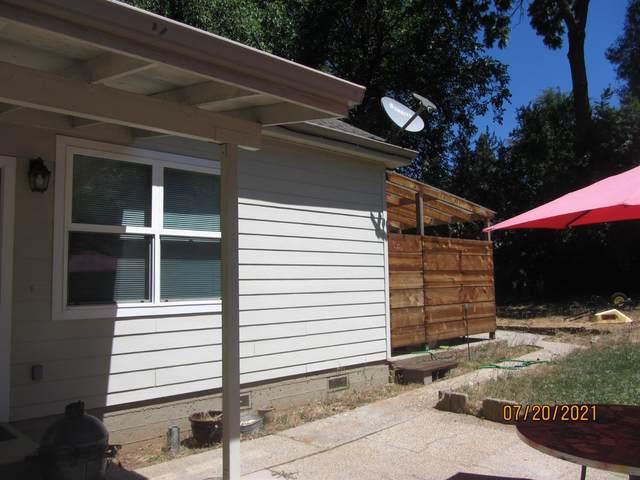 539 Whiting Street, Grass Valley, CA 95945 (MLS #221088389) :: Keller Williams - The Rachel Adams Lee Group