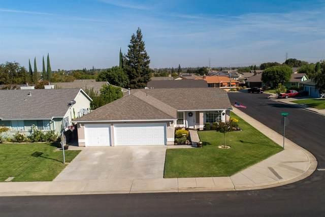 1694 E J Street, Oakdale, CA 95361 (MLS #221121093) :: The MacDonald Group at PMZ Real Estate