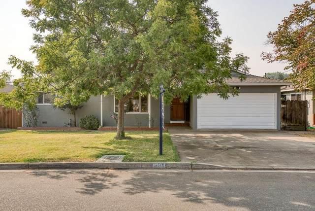 1201 Maple Drive, Oakdale, CA 95361 (MLS #221128755) :: Keller Williams Realty
