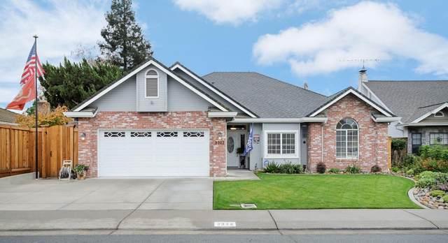 2322 W Tokay Street, Lodi, CA 95242 (MLS #221135816) :: DC & Associates