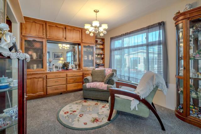175 Saxton  Circle, Citrus Heights, CA 95621 (MLS #19006429) :: The MacDonald Group at PMZ Real Estate