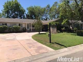4517 Oxbow Drive, Sacramento, CA 95864 (MLS #17030778) :: Hybrid Brokers Realty
