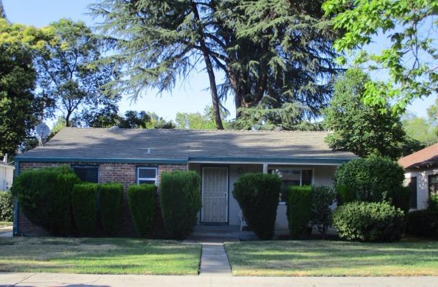 1077 6th Avenue, Sacramento, CA 95818 (MLS #17038565) :: Peek Real Estate Group - Keller Williams Realty