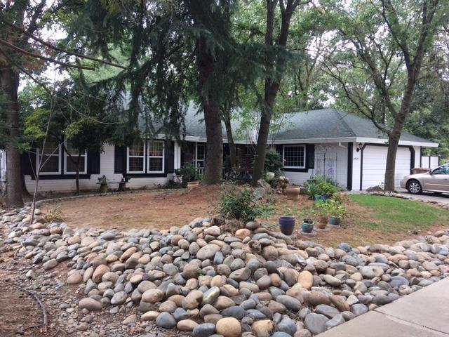 8925 Lake Grove Court, Elk Grove, CA 95624 (MLS #17038801) :: Michelle Wong & Anna Huang Remax Team