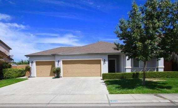 6909 Finale Lane, Hughson, CA 95326 (MLS #17052193) :: The Del Real Group