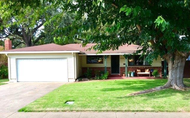 1608 19th Street, West Sacramento, CA 95691 (MLS #17054092) :: Keller Williams - Rachel Adams Group