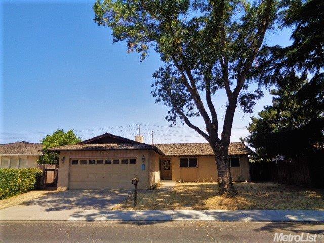 2605 Stoneridge Drive, Modesto, CA 95355 (MLS #17061466) :: The Del Real Group