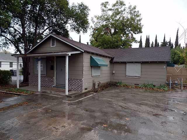 2101 Jackson Avenue, Escalon, CA 95320 (MLS #17076937) :: REMAX Executive