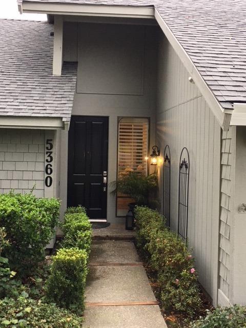 5360 Terrace Oak Circle, Fair Oaks, CA 95628 (MLS #18001861) :: SacramentoFindAHome.com at RE/MAX Gold
