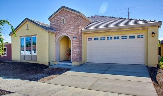 2370 Bentley Lane, Tracy, CA 95376 (MLS #18010825) :: The Del Real Group