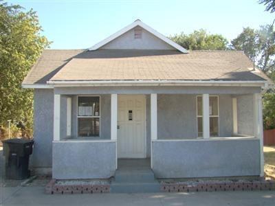 2030 John Street, Modesto, CA 95351 (MLS #18021265) :: Keller Williams - Rachel Adams Group