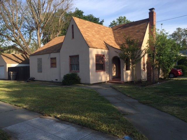 174 Cleveland Street, Woodland, CA 95695 (MLS #18025226) :: Keller Williams - Rachel Adams Group