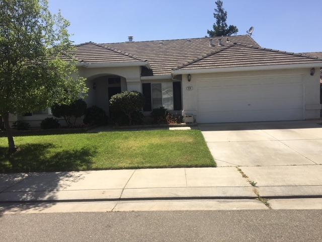 914 Westbrook Lane, Escalon, CA 95320 (MLS #18029288) :: The Del Real Group