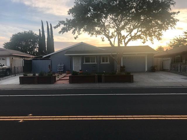 15611 Cambridge Drive, Lathrop, CA 95330 (MLS #18031122) :: The Merlino Home Team