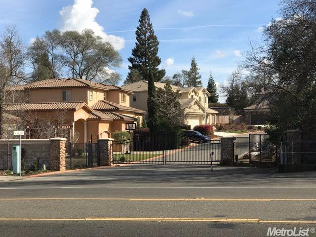 8091 Village Estates Lane, Fair Oaks, CA 95628 (MLS #18031150) :: Dominic Brandon and Team