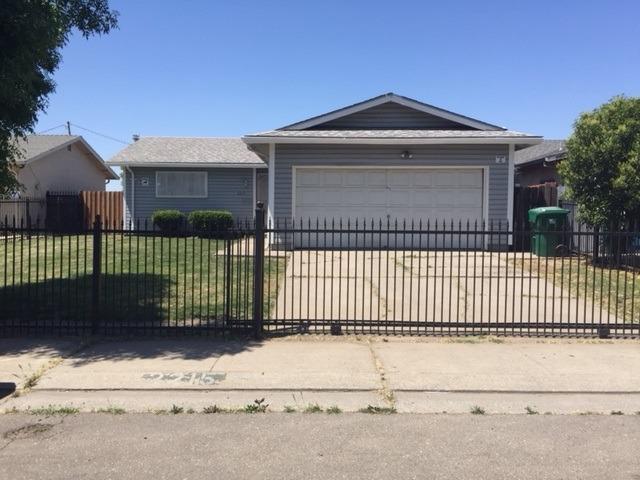 2215 S Sacramento Street, Stockton, CA 95206 (MLS #18031330) :: The Merlino Home Team