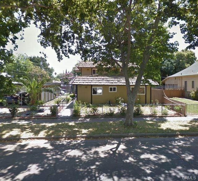 2020 K Street, Merced, CA 95340 (MLS #18031706) :: The Merlino Home Team