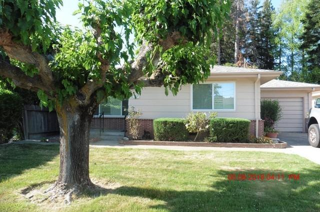 827 Louie Avenue, Lodi, CA 95240 (MLS #18032264) :: NewVision Realty Group