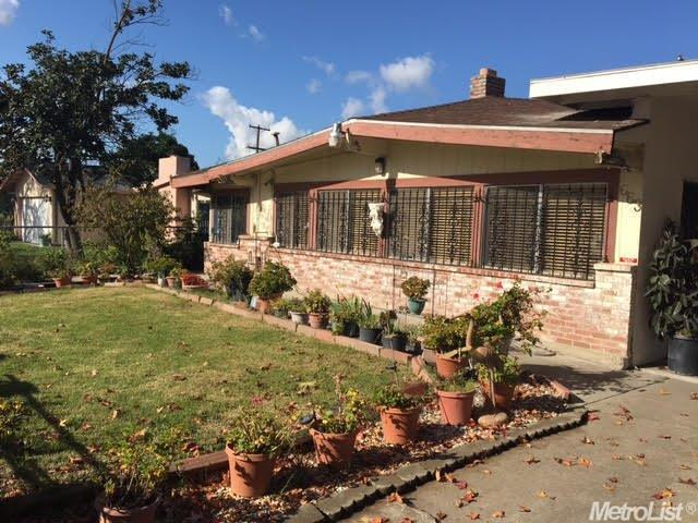 663 Chicago Avenue, Stockton, CA 95206 (MLS #18033393) :: NewVision Realty Group