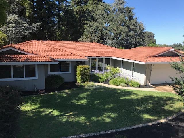 8301 Treecrest Avenue, Fair Oaks, CA 95628 (MLS #18047314) :: Thrive Real Estate Folsom