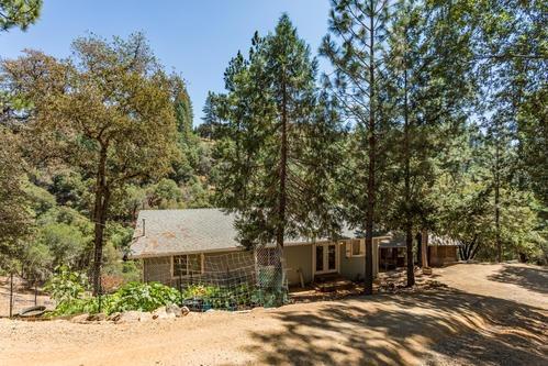 6966 Tamalpais Road, Garden Valley, CA 95633 (MLS #18054168) :: The Merlino Home Team