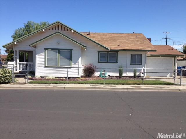 142 Jessie Avenue, Manteca, CA 95337 (MLS #18055709) :: REMAX Executive