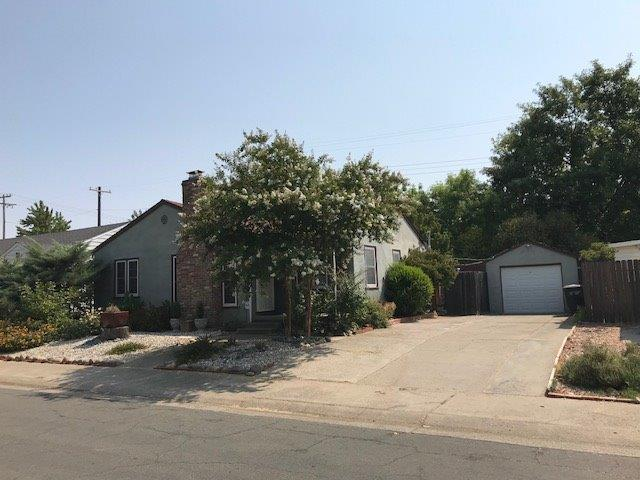 3007 61st Street, Sacramento, CA 95820 (MLS #18055829) :: NewVision Realty Group