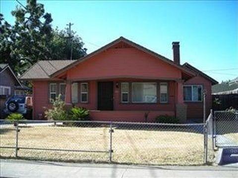 1212 E College Avenue, Stockton, CA 95205 (MLS #18056479) :: Dominic Brandon and Team