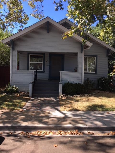 1174 37th Street, Sacramento, CA 95816 (MLS #18064257) :: Heidi Phong Real Estate Team
