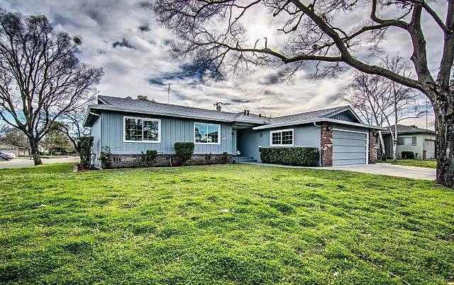 2512 Buttonwillow Avenue, Stockton, CA 95207 (MLS #18065549) :: Keller Williams Realty Folsom