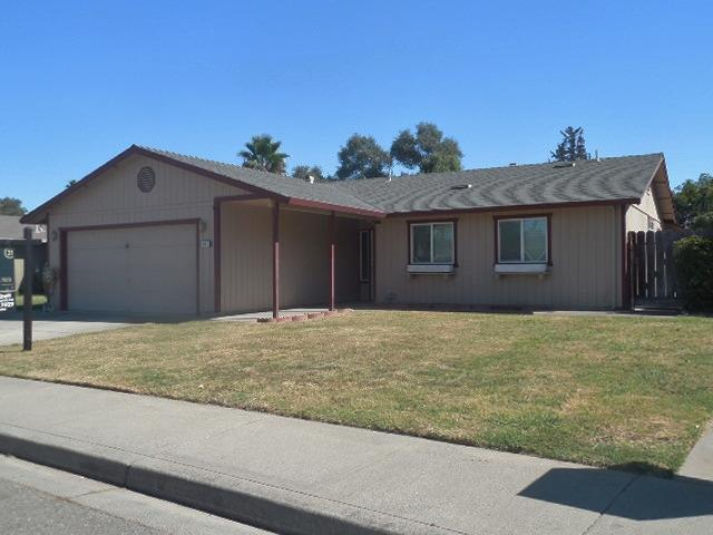 617 Smithwood Drive, Oakdale, CA 95361 (MLS #18066323) :: NewVision Realty Group
