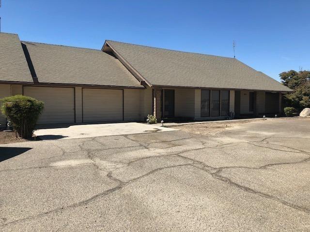 12439 S East Avenue, Fresno, CA 93725 (MLS #18066627) :: Heidi Phong Real Estate Team