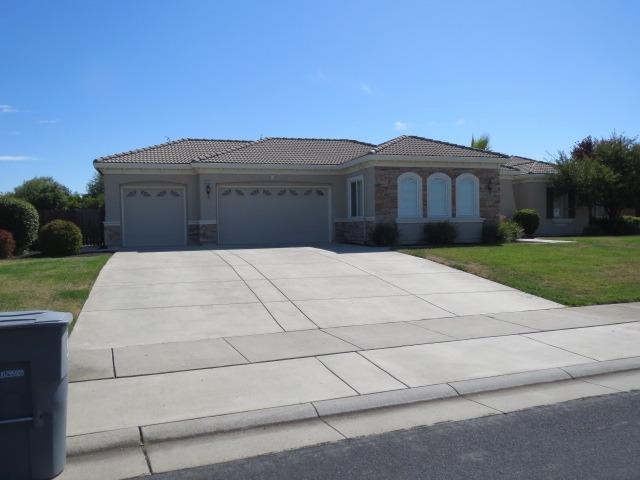 8512 Bridgestone Crescent Road, Roseville, CA 95747 (MLS #18068094) :: The Del Real Group