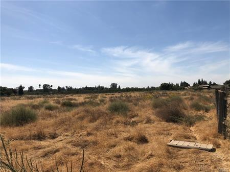 0 Mulberry, Merced, CA 95340 (MLS #18070663) :: The Del Real Group