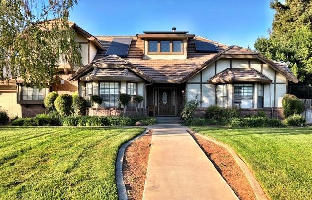 9925 Poppy Hills Drive, Oakdale, CA 95361 (MLS #18070949) :: The Merlino Home Team