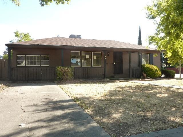 104 E Atlee Street, Stockton, CA 95204 (MLS #18071383) :: The Del Real Group