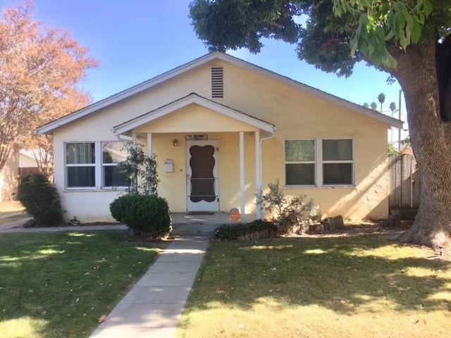 220 S Orange Street, Turlock, CA 95380 (MLS #18072001) :: The Del Real Group