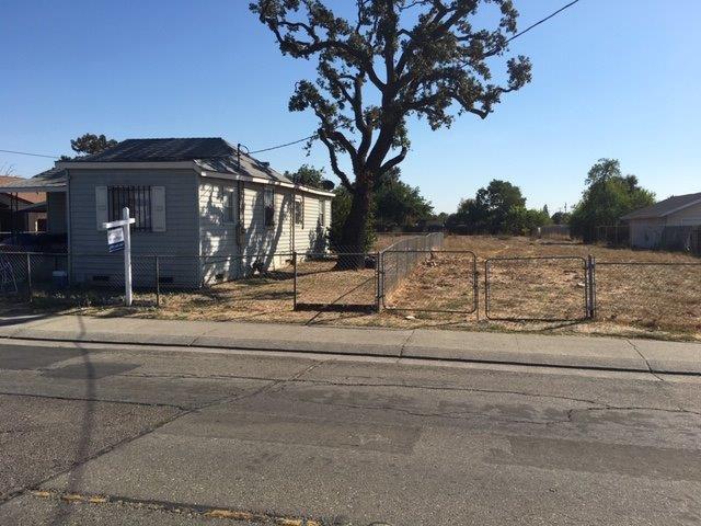 216 W 9th Street, Stockton, CA 95206 (#18072440) :: The Lucas Group