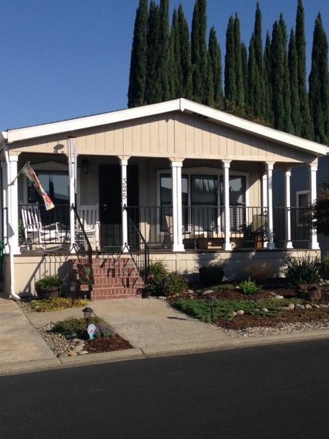 325 Livingston Way, Roseville, CA 95678 (MLS #18073165) :: The MacDonald Group at PMZ Real Estate