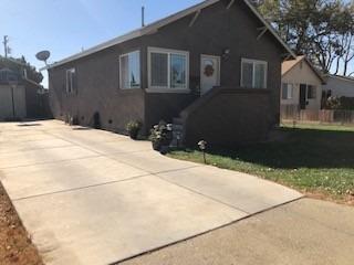 330 Wallis Avenue, Gustine, CA 95322 (MLS #18074368) :: Keller Williams Realty - Joanie Cowan