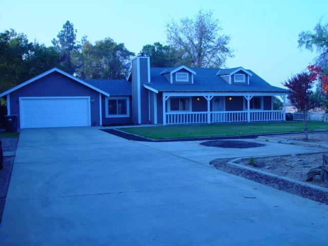 18898 Zelkova Way, Madera, CA 93638 (MLS #18079080) :: The MacDonald Group at PMZ Real Estate