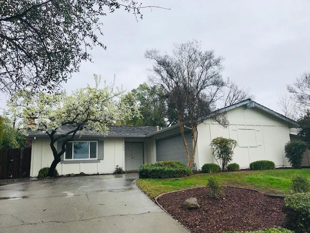 4246 Paradise Drive, Carmichael, CA 95608 (MLS #18079709) :: Keller Williams Realty - Joanie Cowan