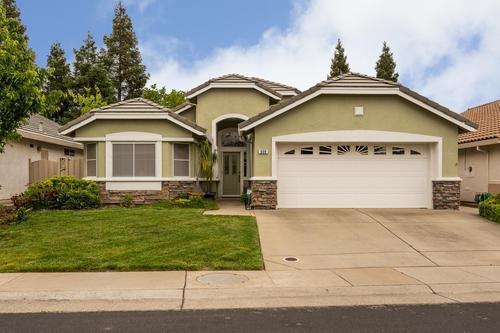 608 Blackstone Court, Roseville, CA 95747 (MLS #18080612) :: Keller Williams - Rachel Adams Group