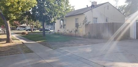 1045-E Dakota Avenue, Fresno, CA 93704 (MLS #19015941) :: Heidi Phong Real Estate Team
