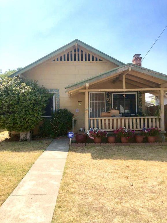 1220 G Street, Marysville, CA 95901 (MLS #19019603) :: The MacDonald Group at PMZ Real Estate