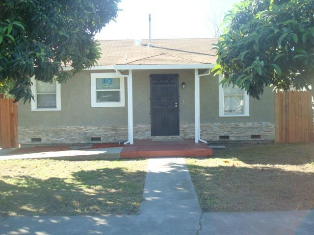 2436 E Sonora Street, Stockton, CA 95205 (MLS #19023424) :: Keller Williams - Rachel Adams Group