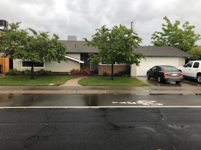 766 S Crescent Avenue, Lodi, CA 95240 (MLS #19034107) :: Heidi Phong Real Estate Team