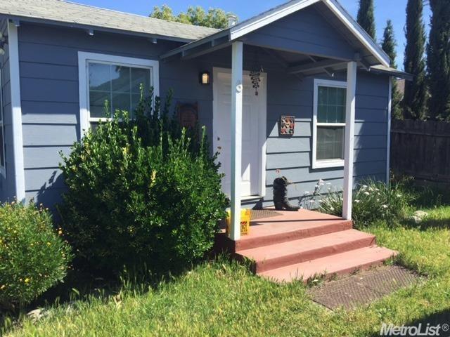 2272 Main Street, Escalon, CA 95320 (MLS #19034338) :: The Del Real Group